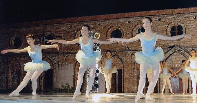 Saggio di Danza · Milis 2004