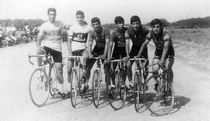 Ciclisti a Marceddì 1964
