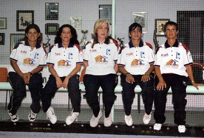 squadra-femminile-di-bocce-soms-2004